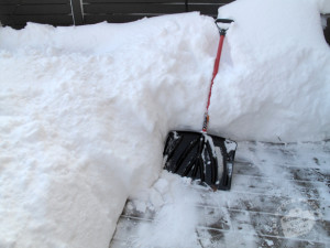 how-to-not-get-injury-from-shoveling-snow-real-property-management